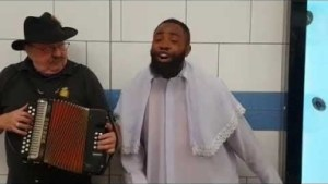 Video (skit): Woli Arole – Stocked in London